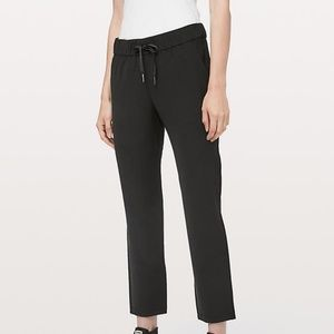lululemon On the Fly Pant 7/8 *Woven Black